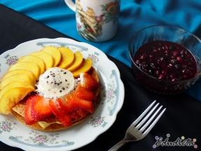 Desayuno modelo - Pancakes y frutas